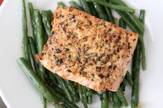 Salmon baked in Foil with Green Beans and Pesto: http://ow.ly/cC6wn