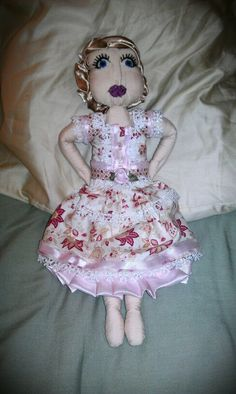 My attempt at making cloth dolls...(its not as easy as it looks)...sewn by hand (my own pattern)