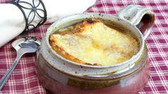 ¿Quieres disfrutar de una sopa cremosa y muy sabrosa? Descubre en Tus Recetas Favoritas cómo preparar una sopa de cebolla al estilo francés y ¡deléitate!