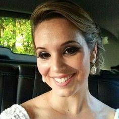Nossa linda noiva @pamnery com brincos em pérola #mairabumachar #noivasmb #bridecollection