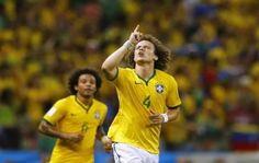 Zagueiros marcam, Brasil vence Colômbia por 2 x 1 e pega Alemanha na semifinal