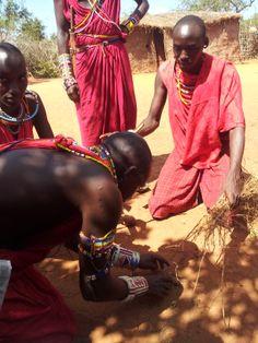 I Masai accendono il fuoco