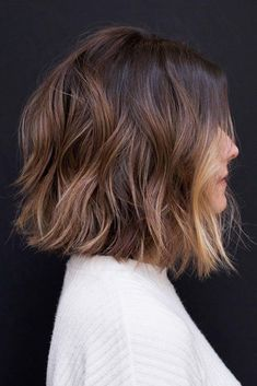 10 Easy Wavy Bob Hairstyles with Balayage - 2020 Female Shor.- 10 Easy Wavy Bob Hairstyles with Balayage – 2020 Female Short Haircuts 10 Easy Wavy Bob Hairstyles with Balayage – 2019 Female Short Haircuts - Medium Length Hairstyles, Medium Bob Hairstyles, Hairstyles Haircuts, Female Hairstyles, Choppy Bob Haircuts, Hairstyle Short, Layered Hairstyles, Wavy Lob Haircut, Hairstyle Ideas
