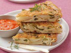 Paprika-Kartoffel-Tortilla ist ein Rezept mit frischen Zutaten aus der Kategorie Omelett. Probieren Sie dieses und weitere Rezepte von EAT SMARTER!