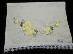 LOY HANDCRAFTS, TOWELS EMBROYDERED WITH SATIN RIBBON ROSES: TOALHA DE ROSTO KARTESN
