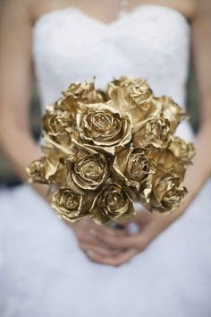 gold bouquet--this is pretty, but I would want a way for them still to feel soft, maybe spray paint? Aqua Wedding, Trendy Wedding, Diy Wedding, Wedding Venues, Wedding Flowers, Dream Wedding, Wedding Day, Gold Flowers, Wedding Trends