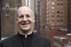 After Fr. James Martin, SJ, spoke at a Philadelphia university, the Archbishop of Philadelphia urged caution about the priest's message, especially regarding the possibility that Catholic teaching on sexuality might change. James Martin, Catholic Books, Catholic Prayers, Catholic School, Catholic Answers, Catholic Bishops, Catholic Herald, Saints, Religion Catolica