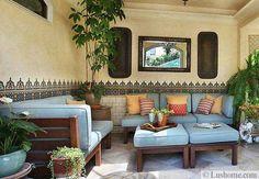 d coration salon alliant mobilier r tro et vintage et tendance tropicale design vintage et. Black Bedroom Furniture Sets. Home Design Ideas