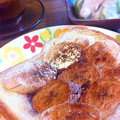 市販のトーストに振りかけるのを使って 今日はちょっと贅沢パン ✨٩(。θ◡θ。)۶✨ウマー‼︎ - 19件のもぐもぐ - バナナチョコフレーバートースト ٩꒰৹৺৹ઌ꒱♡ by 桜生姜