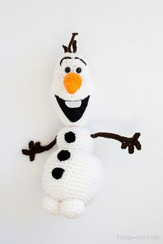 Frozen's Olaf Amigurumi Doll - Free by ChiWei Ranck of One Dog Woof / Frosty Snowmen - 12 Crochet Round Ups of Christmas - Rebeckah's Treasures