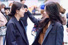 "185 Me gusta, 1 comentarios - @everystylesmusic en Instagram: ""171105 RV at GMP Seulrene is real❤ #레드벨벳 #강슬기 #배주현 #redvelvet #seulgi #irene #wendy #joy #슬기 #아이린…"""