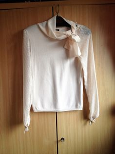 17,- Zarte Mango Bluse mit Schleife - kleiderkreisel.at