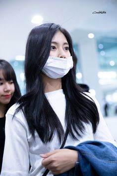 181004 ICN 입국 #tzuyu #twice Kpop Girl Groups, Korean Girl Groups, Kpop Girls, Twice Group, Chou Tzu Yu, Ulzzang Korean Girl, Tzuyu Twice, K Pop Music, Korean Name