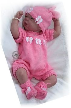 strickanleitungen Free Knitting Patterns Uk, Baby Knitting Free, Baby Cardigan Knitting Pattern, Knitting For Kids, Knitting Dolls Clothes, Baby Doll Clothes, Knitted Dolls, Doll Clothes Patterns, Baby Dolls