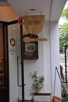 Signage, coffee shop signage, deco cafe, coffee shop design, cafe d Coffee Store, Coffee Cafe, Cafe Interior, Shop Interior Design, Coffee Shop Signage, Cafe Signage, Menu Restaurant, Restaurant Design, Deco Cafe