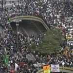 PT tenta pegar carona no protesto de São Paulo, mas militantes são vaiados e hostilizados
