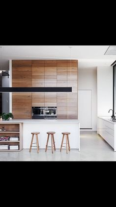 The shortlisted projects for the 2015 Australian Interior Design Awards have been announced and boy oh boy, are they gorgeous. Our favourite interiors, are as usual, in the residential design and… Australian Interior Design, Interior Design Awards, Interior Design Kitchen, Modern Interior, Interior Ideas, Kitchen Designs, Brown Cabinets, Upper Cabinets, Wood Cabinets