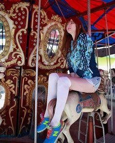 Instagram media by soloveminchae - #가을 #용마랜드 #니트 #adidas #감성느낌 #감성사진 #삭스 #model #사진모델 #178cm  #햇빛좋은날 #붙임머리 #인물사진 #캐논 #놀이공원 #photoby은술님