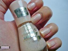 Maria's nail: 195. Essence Sparkle Sand Effect - 163 Hey, Nude! http://mariasnail.blogspot.nl/2013/08/195-essence-sparkle-sand-effect-163-hey.html