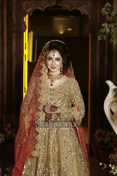 Asian Bridal Dresses, Pakistani Wedding Dresses, Bridal Outfits, Pakistani Bridal Makeup Hairstyles, Shadi Dresses, Afghan Clothes, Desi Bride, Bridal Makeover, Bridal Lehenga