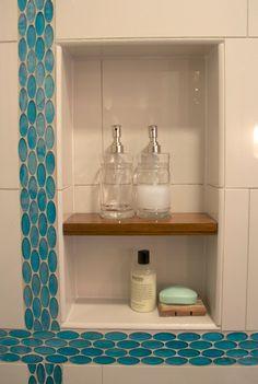 Love little shower shelves