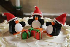 Pingviinit joulutunnelmissa, sokerimassaa.