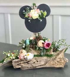 Ideas For Enchanted Forest Wedding Centerpieces Floral Arrangements Disney Diy, Disney Cute, Disney Babys, Disney Home Decor, Disney Theme, Disney Mouse Ears, Minnie Mouse Party, Mickey Mouse Wedding, Disney Cartoons
