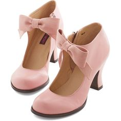 Darling Saturday Strut Heel (140 BRL) ❤ liked on Polyvore featuring shoes, pumps, heels, pink, heel pump, sports shoes, pink shoes, high ankle shoes and pink pumps