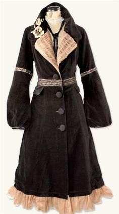 I need this coat.  Mightily need.  Victorian Trading Co. has amazing new frocks for Fall.  Go look!