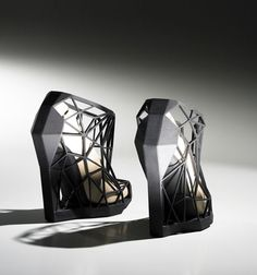 Brazilian Fashion designer Andreia Chaves has created a series of 3D-printed shoes in collaboration with Amsterdam rapid prototyping studio Freedom of Creation.
