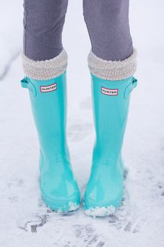 Tiffany blue hunter boots so want these
