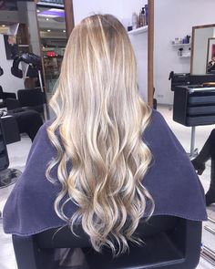 My New hair, do you like it? #САЛОНъТ #olaplex #wella #hairoftheday #alternahaircare #blondhair