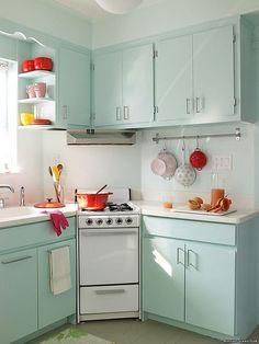 Add a touch of color! | 31 pequeños trucos en tu casa para maximizar tu espacio