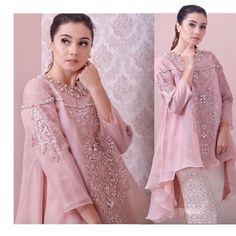 Kebaya Hijab, Batik Kebaya, Kebaya Dress, Dress Pesta, Muslim Fashion, Hijab Fashion, Fashion Dresses, Model Kebaya Brokat Modern, Model Kebaya Modern Muslim