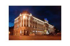 Hotelul Continental Forum Sibiu a trecut in 2007 printr-un proces elaborat de restaurare si de redecorare.  Cele 135 de camere ale hotelului includ solutii furnizate prin Atas Lighting, de la furnizori precum Brightrogu si Bright.