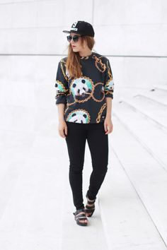 Fashion blogger Elodie Puechom - Elodie in Paris - France x Breaking Rocks Panda Chain Sweater. #breakingrocks #fashionblogger #panda #paris