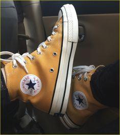 47 Best Shoes Ideas For Men Style 2019 - Converse - Schuhe Mode Converse, Sneakers Mode, Sneakers Fashion, High Top Sneakers, Shoes Sneakers, Puma Sneakers, Yellow Converse, Sneakers Workout, Running Sneakers