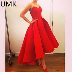 a1c6807fb93e2 Die 9 besten Bilder von rote ballkleider in 2019   Abendkleider ...