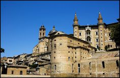 Centro storico di Urbino by g.deluca, via Flickr #InvasioniDigitali il 27 aprile alle ore 11.00 Invasore: Ilaria Barbotti