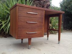 Los Angeles: MID CENTURY Modern DESK $199 - http://furnishlyst.com/listings/4498
