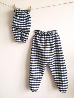 Ručné site nohavice pre dieťa z prírodnej podľa MacelaHolickovDizajn
