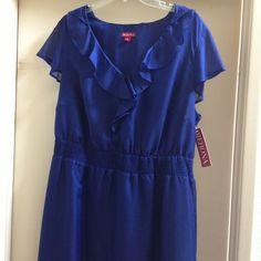 ❤️❤️Dress❤️❤️ New Royal Blue dress.  Size 2X.  Never been worn.         🎉🎉MAKE OFFER🎉🎉 Dresses