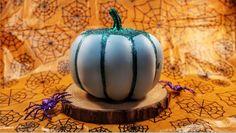 Glitter Pumpkin Pumpkin Decorating, Decorating Tips, Sweater Pumpkins, Metallic Spray Paint, Glitter Pumpkins, Jar Art, Glitter Top, Least Favorite, Melting Crayons