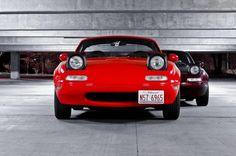 Компания Mazda задумала возродить шик британских двухместных родстеров 1930-1940-х. В ходе этого проекта они организовали соревнование между командами конструкторов компании в