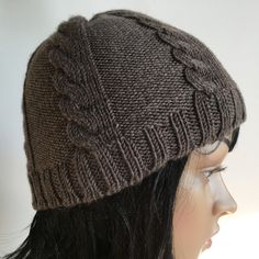 [vidéo] Tricoter un bonnet à torsades Bonnet Marin, Diy Laine, Ewok, Knitting Projects, Free Crochet, Knitted Hats, Crochet Patterns, Gray, Knitting Charts