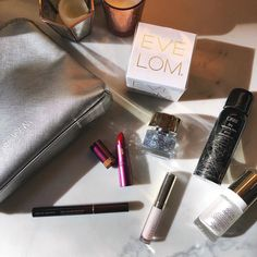 The @spacenkusa @nordstrom #SpaceNKHoliday Heroes Silver Edition includes #SpaceNK bestselling favorites from @byterryofficial @kevynaucoin @sundayriley @lipstickqueen @oribe @smithandcult @eve_lom! #SpaceNK