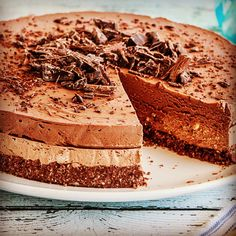 Read our delicious recipe for Triple Chocolate Cheesecake, a recipe from The Healthy Mummy, which will help you lose weight with lots of healthy recipes. Raw Desserts, Chocolate Desserts, Dessert Recipes, Healthy Desserts, Protein Desserts, Cake Chocolate, Delicious Desserts, Healthy Mummy Recipes, Healthy Treats