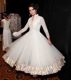 Indian Bridal Dress- Elegance & Style!  Posted by Soma Sengupta