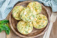 ¡Estos muffins salados hechos en licuadora son deliciosos y fáciles de hacer…