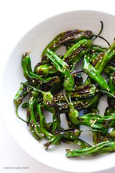Easy Sesame Shishito Peppers Recipe | gimmesomeoven.com